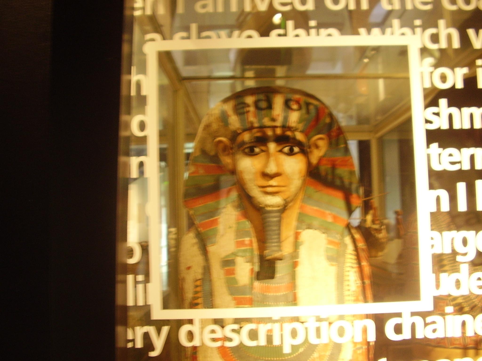 Manchester Museum, Egyptian Mummy.JPG