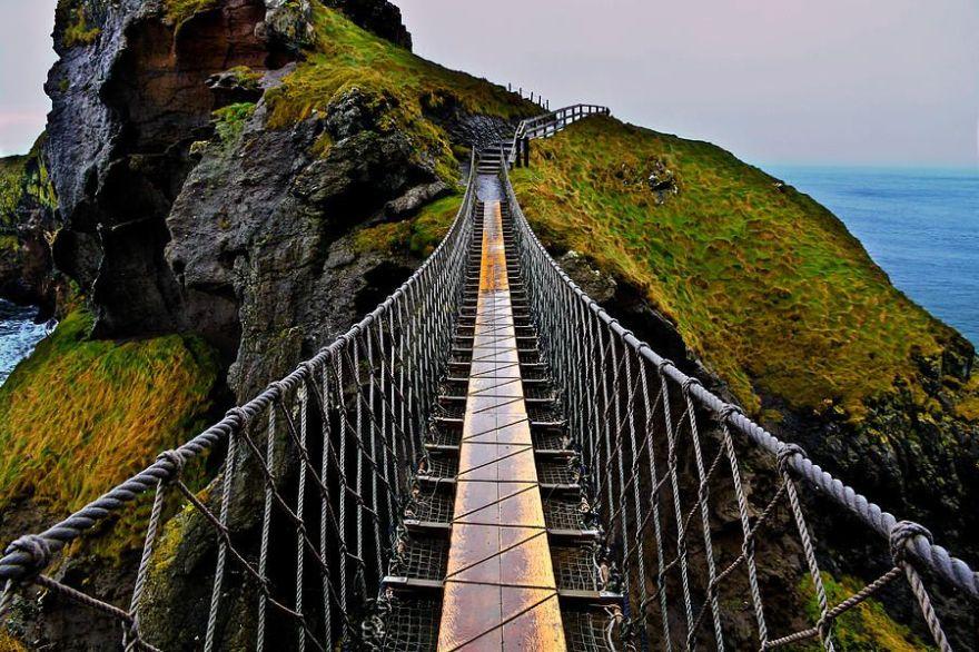 carrick-a-rede-bridge.jpg
